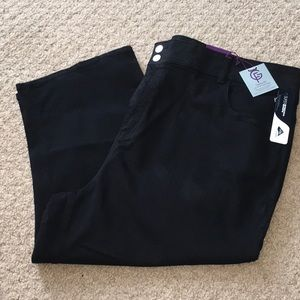 NWT Capris with built in tummy control